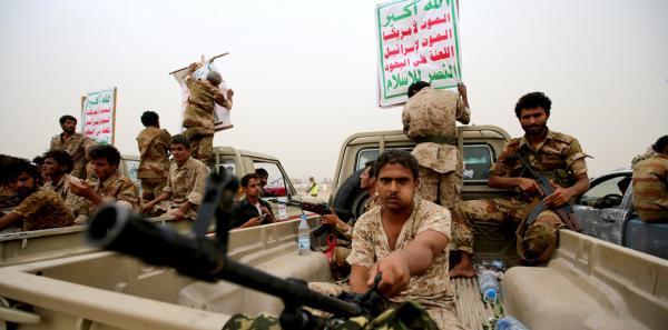 مسلح حوثي يقتل أمه بذمار ويفشل في قتل والده